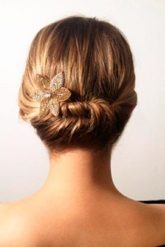 Elegant Hairstyles for Short Hair picture 5