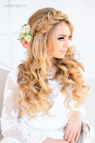 Amazing Hairstyle With Flowers picture 3