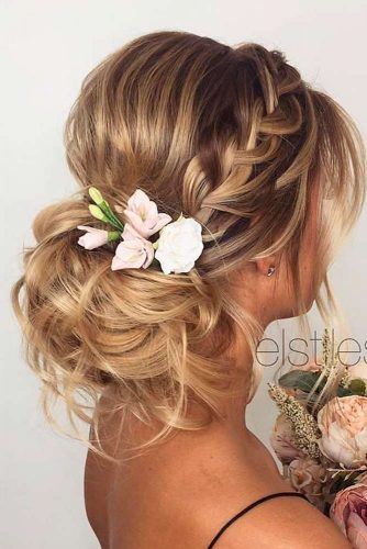 Fabulous Hairstyle for Charming Bride picture 5