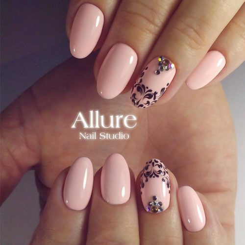 Patterned Nude Nail Designs picture 6