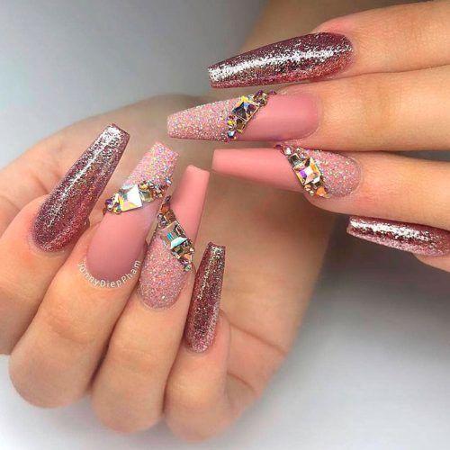Sparkly Glitter Nail Art #glitternails #rhinestonesnails