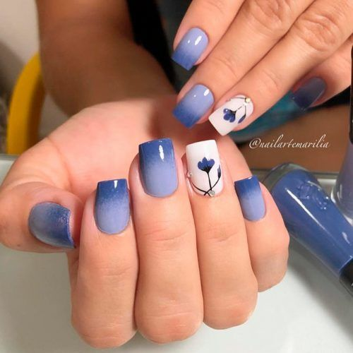 Blue Ombre Nails With Flowers #flowersnails #ombrenails