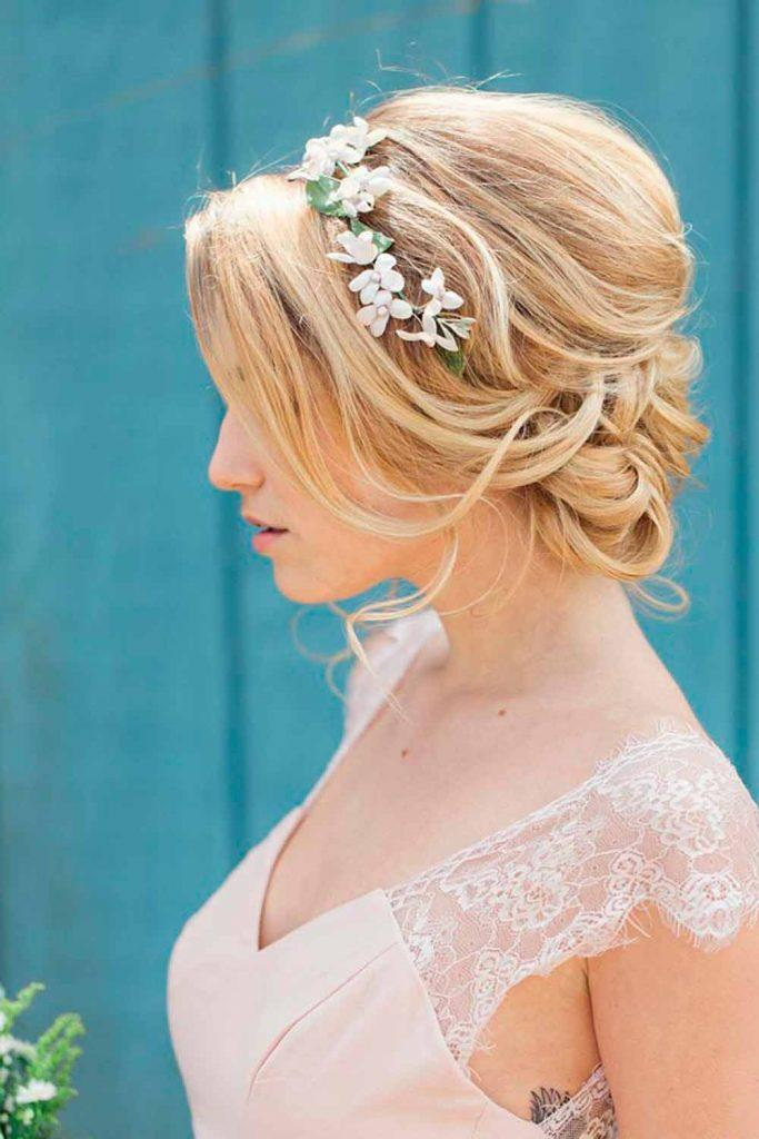 Easy Puffed Updo With Flowers #puffedhair #weddinghair