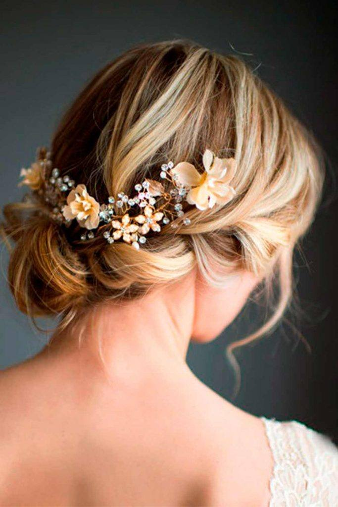 Easy Updo For Short Hair #shorthairstyles #shortweddinghairstyles