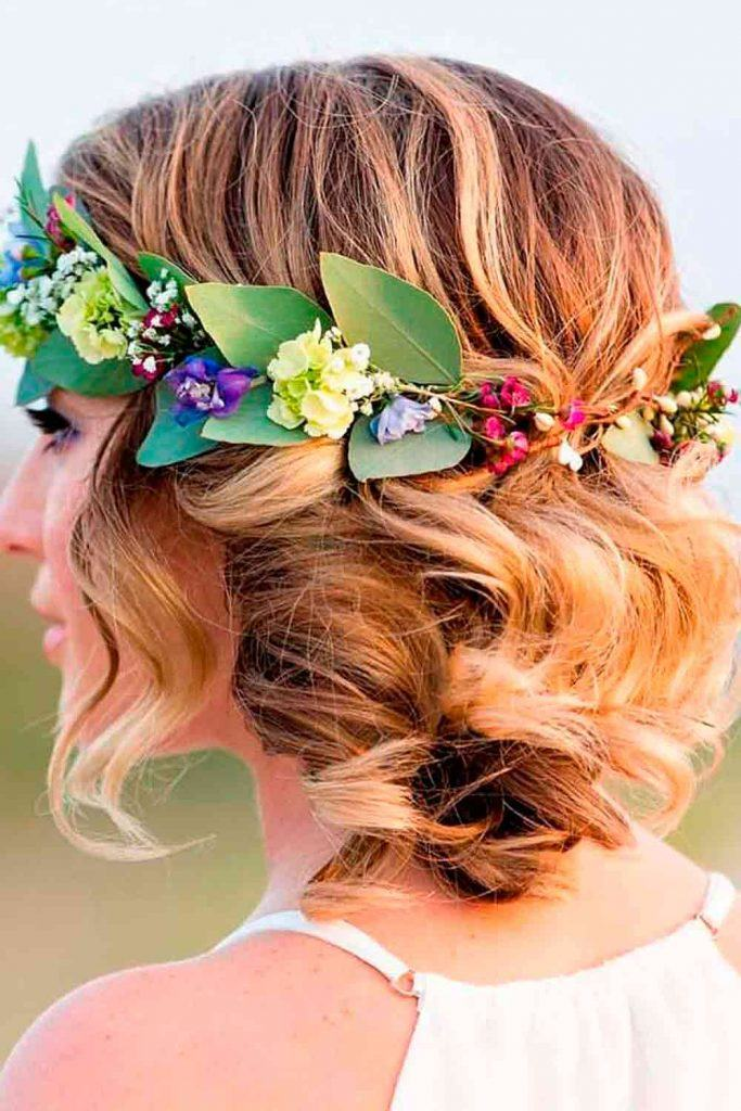Wedding Updo With Wreath #weddingupdo #updohairstyles