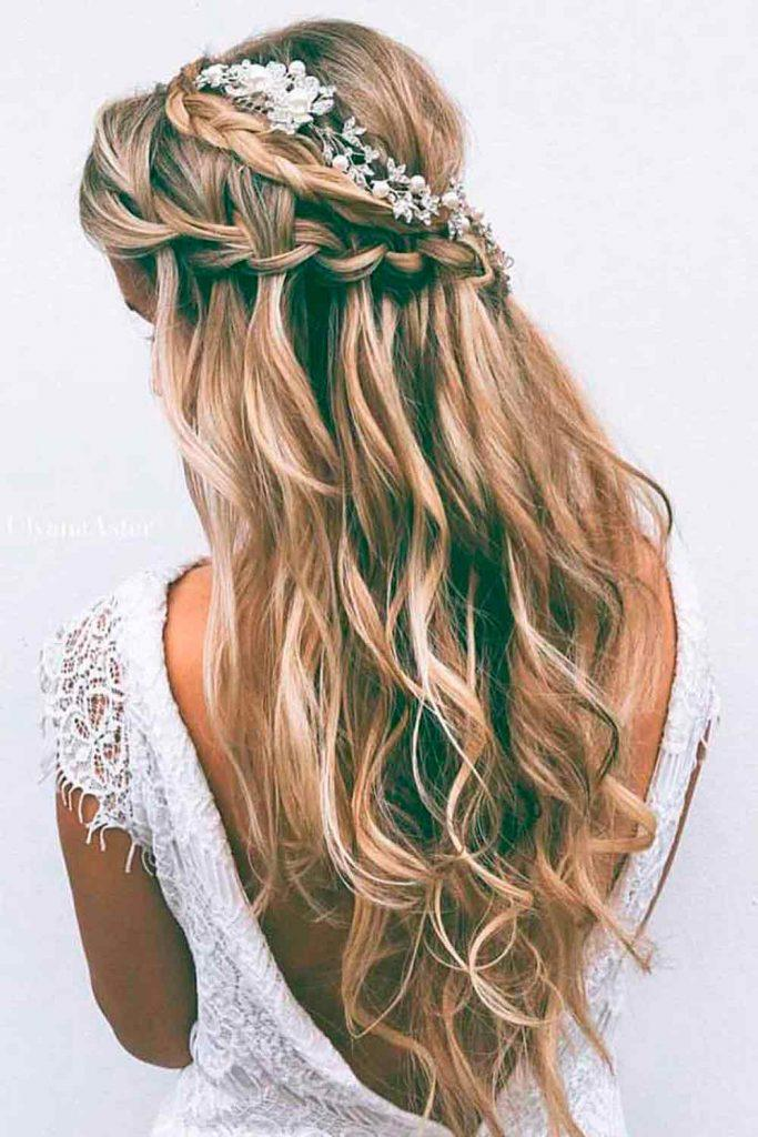 Waterfall Braided Half-Up #waterfallbraid #perfectweddinghairstyles