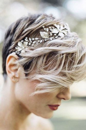 Cute Short Hairstyles for Beautiful Brides picture 1