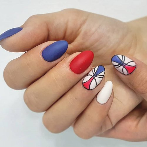 Red, White And Blue Painted Nails #paintedart