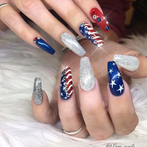 Sparkly Glitter 4th Of July Nails Design #glitternails #rhinestonesnails