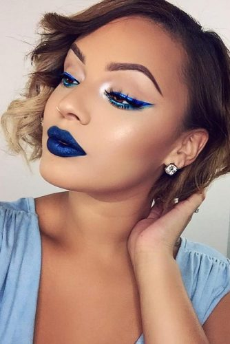 Trending Makeup Ideas with Blue Lipstick picture 4