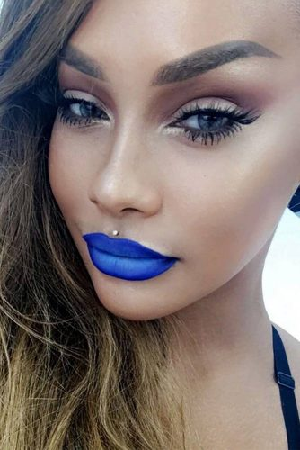 Trending Makeup Ideas with Blue Lipstick picture 5