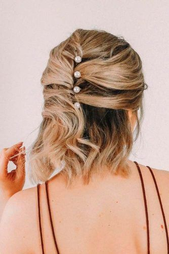 Half-Up Hairstyle For Medium Length Hair #halfuphairstyles #blondehair