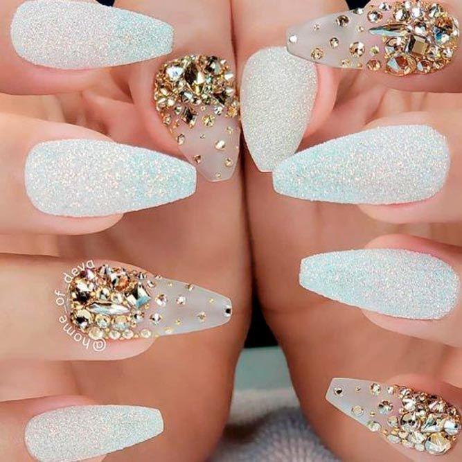Chic Gold And White Mani #rhinestonesnails #whitenails