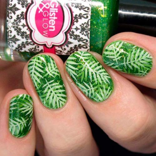Tropic Leaves Nail Pattern #tropicnails #glitternails