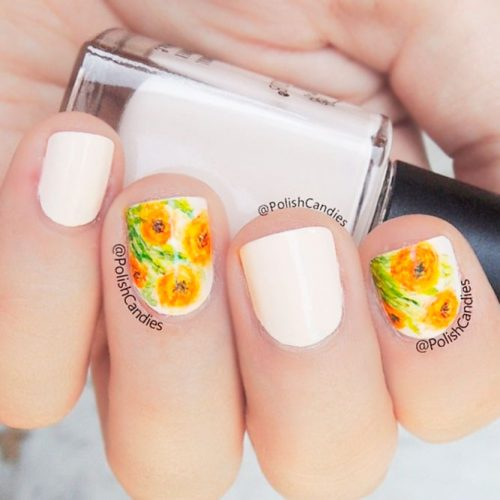 Funny Orange Floral Pattern #shortnails #flowersnails