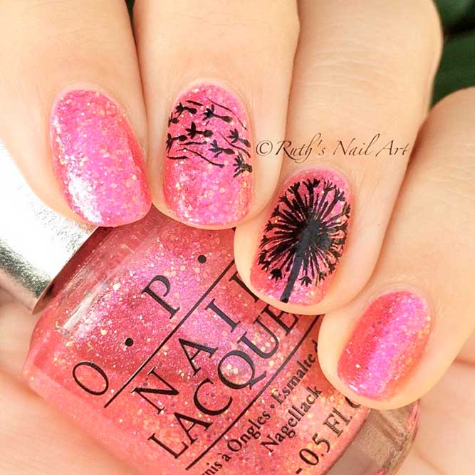 Dreamy Dandelions Nail Design #glitternails #flowersnails