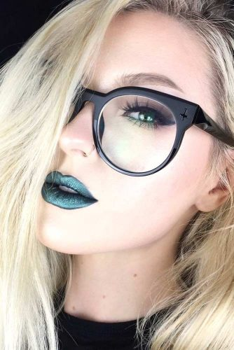 Girls Who Wear Green Lipstick And Look Fab picture 5