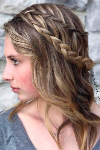 Stylish Hairstyles for Your Perfect Summer Look picture 3