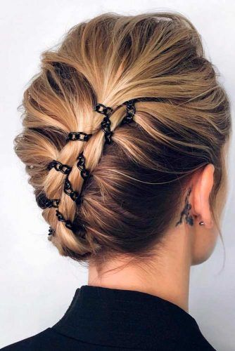Stylish Hairstyle With Chain #updohairstyle #stylishhairstyle