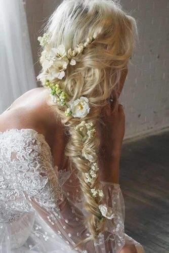 Gentle and Romantic Hairstyles picture 2