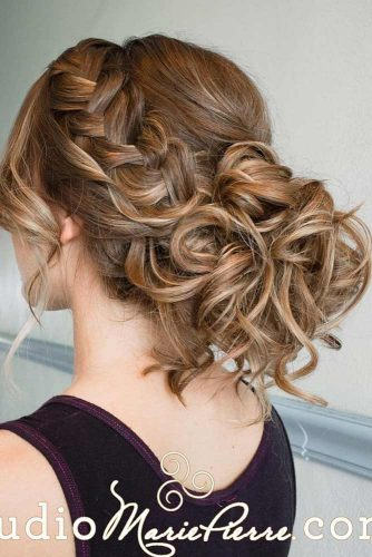 Gentle and Romantic Hairstyles picture 3