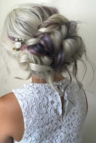 Gentle and Romantic Hairstyles picture 4