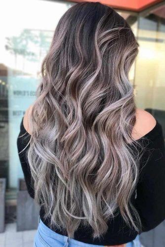 Wavy Layered Hairstyle With Highlihgts  #wavyhair #ashhair
