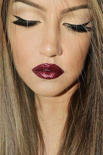 Chic Maroon Lipstick picture5