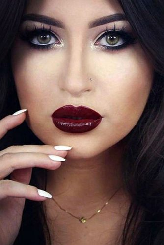 Trendy Maroon Lipstick picture1