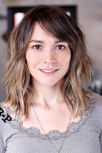 Trendy Side Swept Bangs picture 2