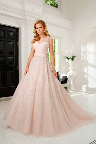 Chic Wedding Dresses in Pink picture 4