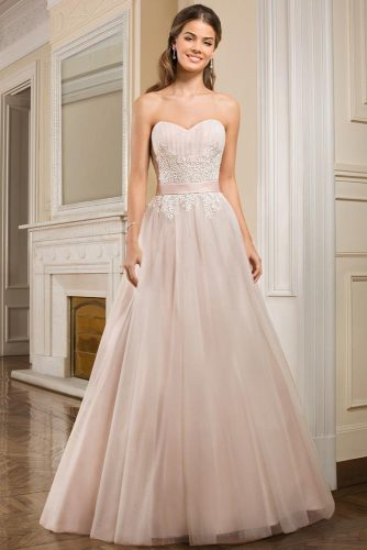 Luxurious and Chic Wedding Dresses picture 5
