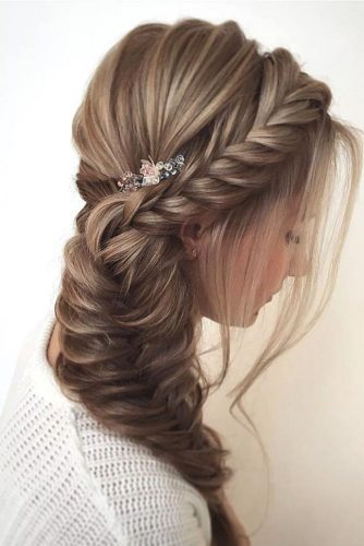 Romantic Side Braid Hairstyles picture 3