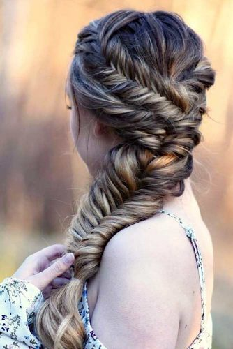 Fishtail Side Braid Hairstyles picture 4