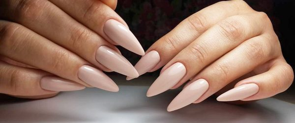 22 Stunning Designs for Stiletto Nails for a Daring New Look