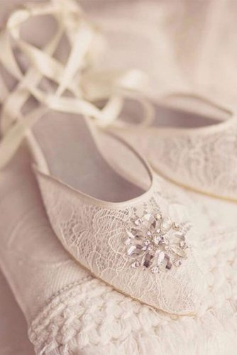 Beautiful and Comfortable Wedding Flats picture 5