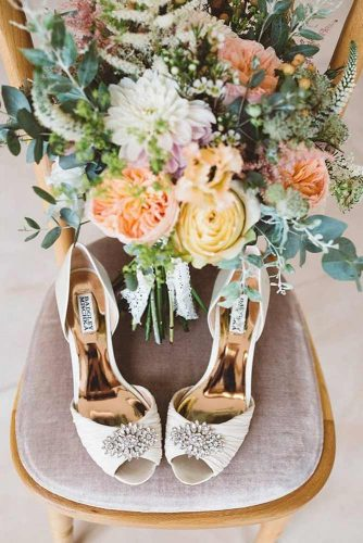 Beautiful and Comfortable Wedding Flats picture 4