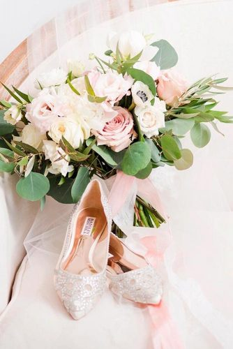 Beautiful and Comfortable Wedding Flats picture 6