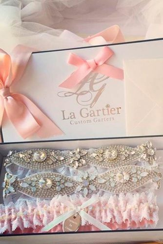 Amazing Garters for Your Perfect Wedding Look picture 2