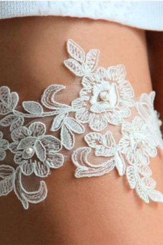 Amazing Garters for Your Perfect Wedding Look picture 4