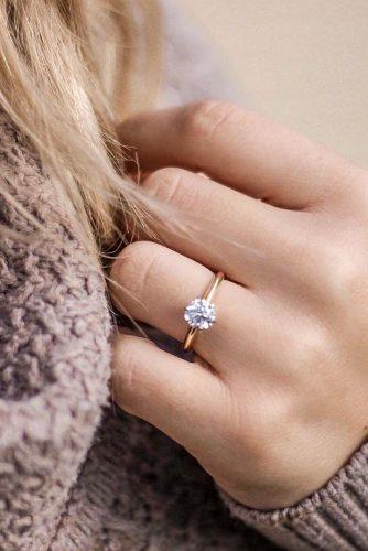 Minimalistic Round Engagement Ring #roundring