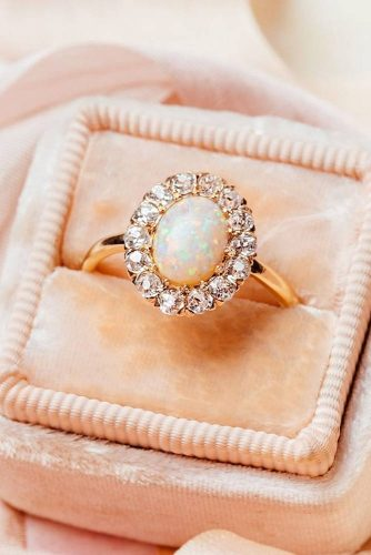 Vintage Engagement Ring #vintagering