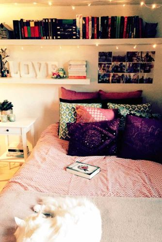 Using Shelves in Bedroom Interior Designs picture 1