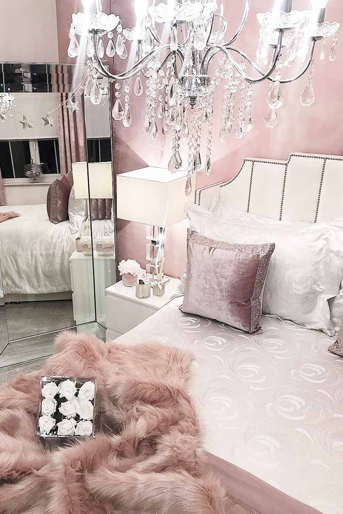 Glam Bedroom Design In Pink Color #glitterpillows #pinkwall