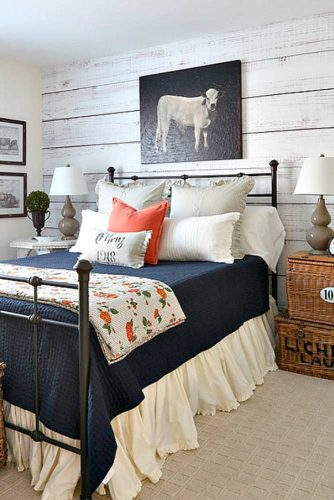 Best Ways to Use Bedside Tables and Commodes picture 3