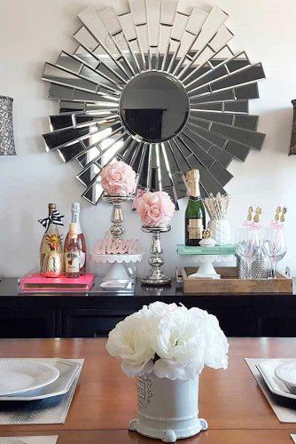 Decorative Mirrors in Interior picture 3