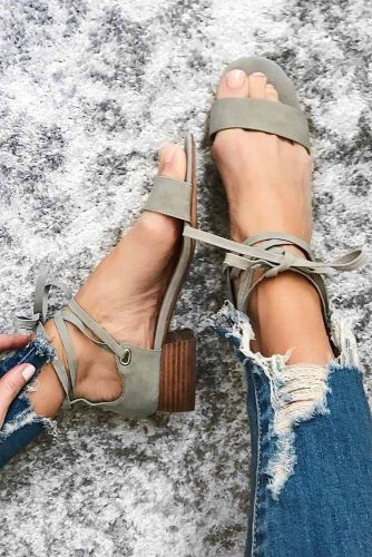 Cute and Simple Strappy Sandals picture 2