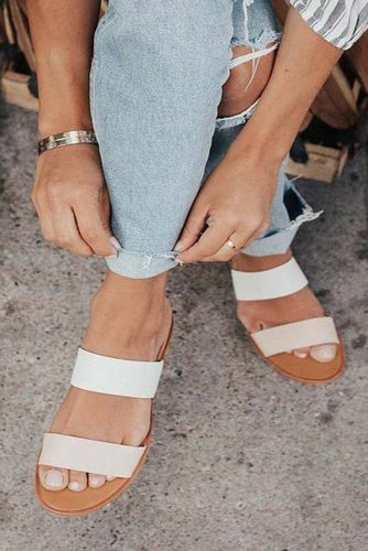 Cute and Simple Strappy Sandals picture 1