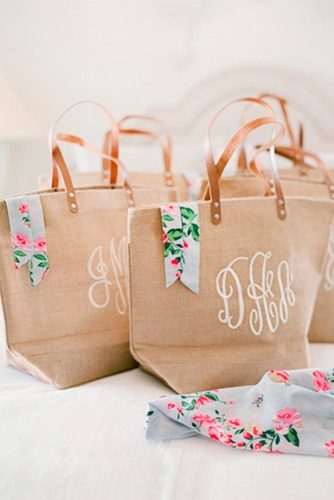 Personalized Shopping Bags with Gifts picture 2