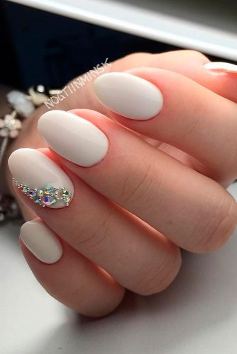 Chic Nail Arts for Beautiful Brides picture 1